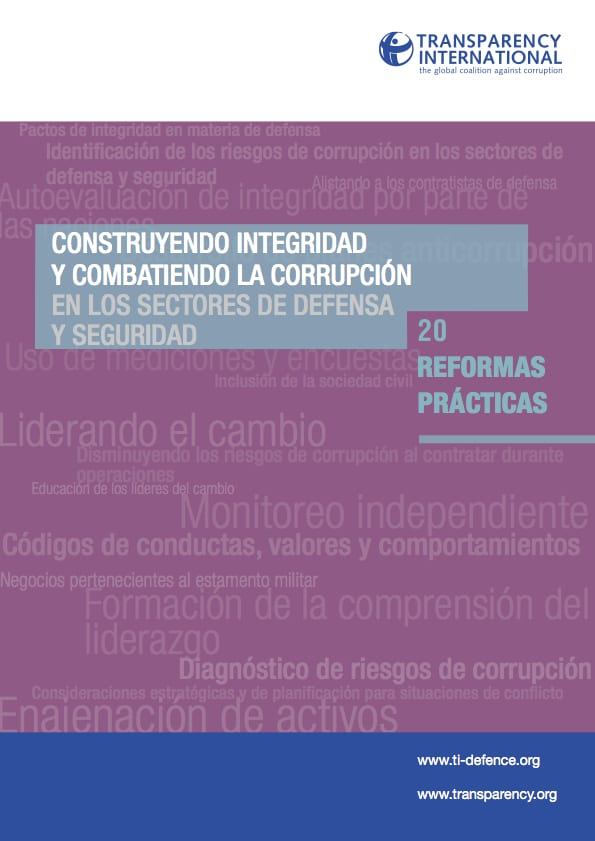 PDF cover of Building integrity and reducing corruption in defence & security: 20 practical reforms (Spanish)
